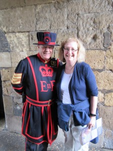A Yeoman Warder with a Yankee Tourist